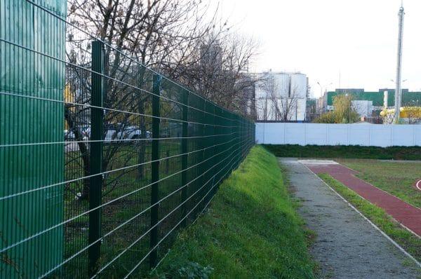 Панельный забор для спортплощадки ТЕХНА СПОРТ H-4м d 4/5