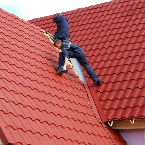 "Монтаж металлочерепицы – сложная крыша ""Под ключ"""