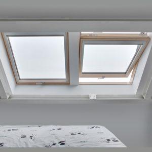 Окно чердачное Roto R69G WH WD 71×124 (белая сосна)