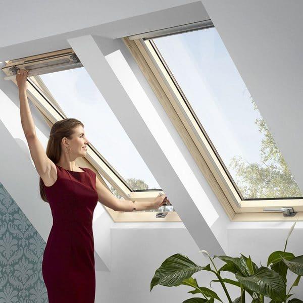Мансардное окно Roto R45WH 74×118 (белая сосна)