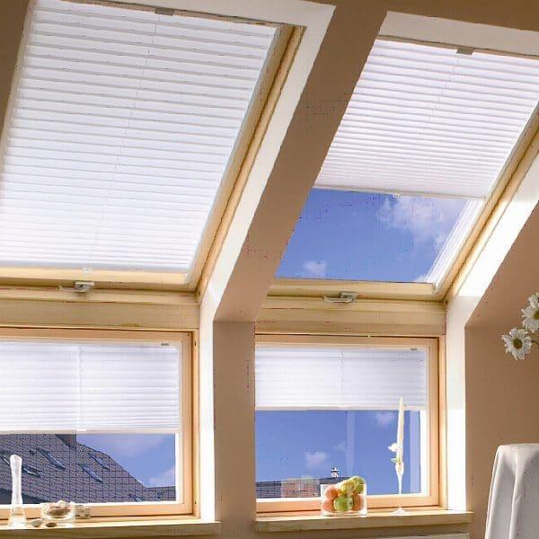 Окно в крышу Roto R45WH WD 80×104 (белая сосна)