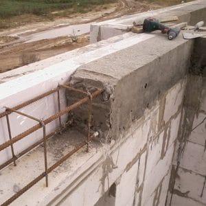 Монтаж монолитного ж/б пояса первого этажа