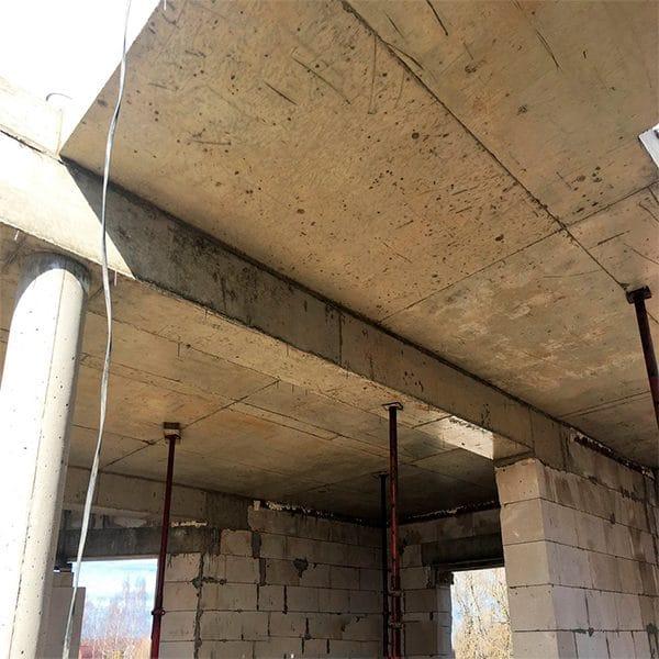 Заливка монолитной балки сечением 300х300 мм
